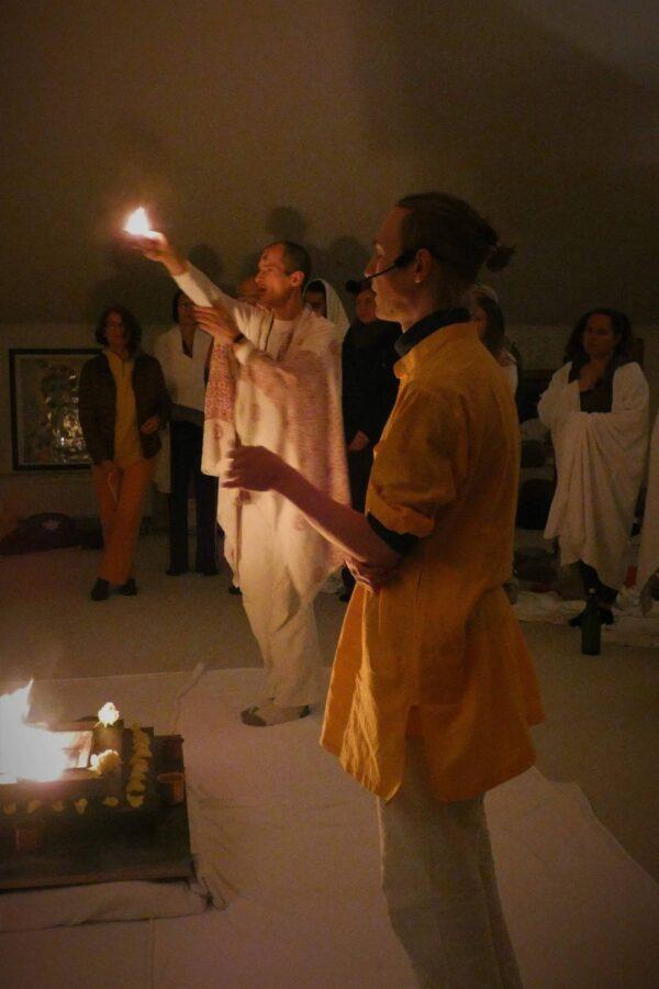 Arati - Lichtzeremonie